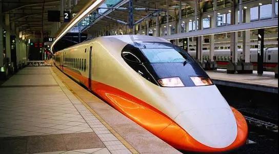 """兰州高铁乘务员技校带你了解""""更快、智能、绿色""""的高铁"""